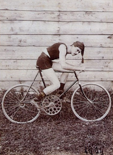 Edvard Rusjan na kolesu