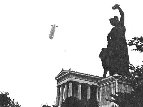 Cepelin v Munchnu 12. avgusta 1910