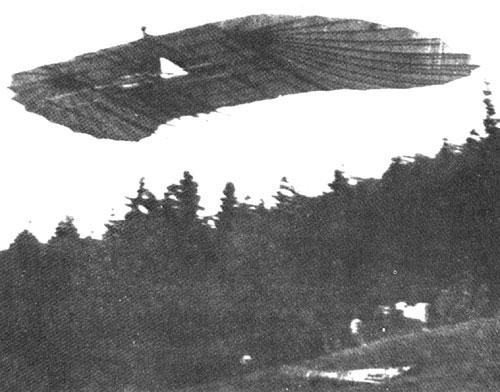 Franz X. Wels je leta 1903-09 razvil leteče krilo