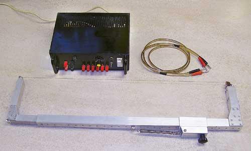 Žaga s priključno vrvico in napajalnikom