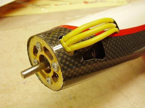 Motor v ležišču